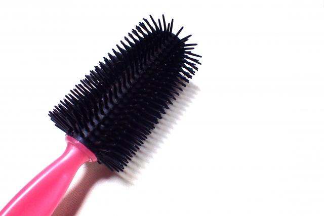 ヘアブラシ選び一つでハゲや薄毛のリスクを減らす!